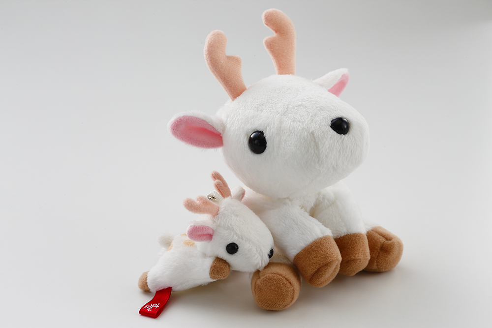 白い鹿のマスコット『すがちゃん』