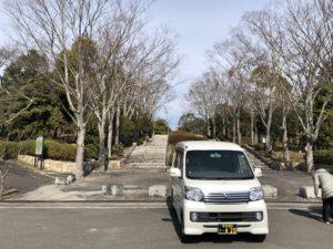 飯盛斎場にて勿忘草(わすれなぐさ)1号車を撮影